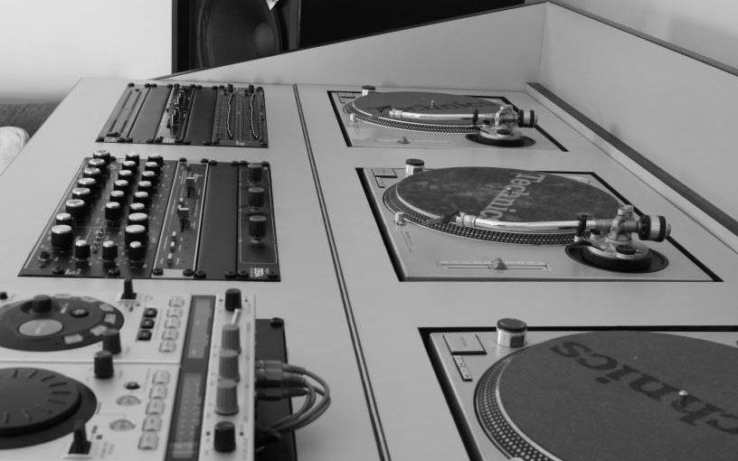 Sono Vintage – Deux légendes des années 80 : Les Urei 1620 & Technics SL-1200 MK2